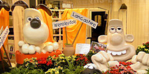 Wallace and Gromit Visit Hospitals to Promote Trousers