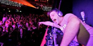 Style-Ist: Smirnoff Disco Live