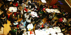 Stitch & Bitch: 194 Londoners Get Their New Year Knit On