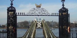 Touch Up London #102: Mayor Announces Escalators Over Thames