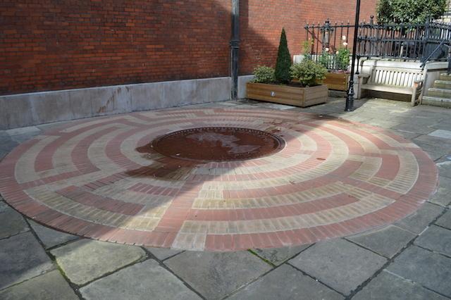 A Diamond Jubilee maze at St Paul's Covent Garden.