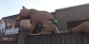 Giant Rabbit, Giant Fox, Giant Snail Appear In London