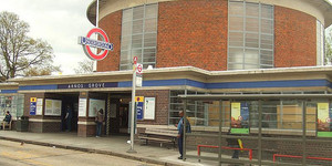 16 Tube Stations Get Listed Status