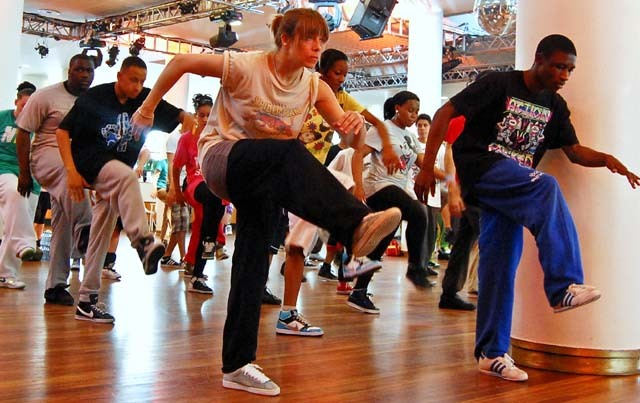 I Said A Hip Hop, The Hippie To The Hippie...  Intelligent Movement @ Southbank