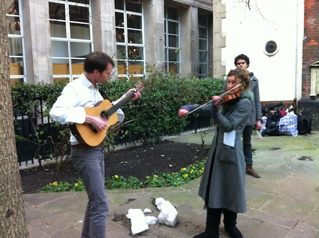 A musical interlude in a City churchyard.