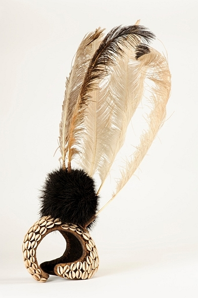Cowrie and ostrich feather headdress from Uganda / photograph by Heini Scheneebeli