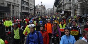 10,000 Brave The Rain For Go Dutch Big Ride