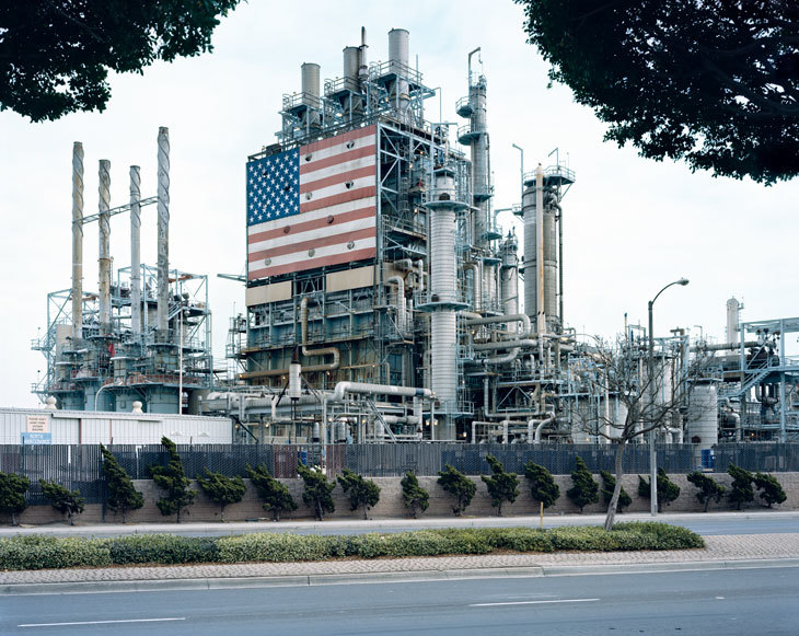 Mitch Epstein, BP Carson Refinery,California 2007. Image Courtesy Saatchi Gallery, London