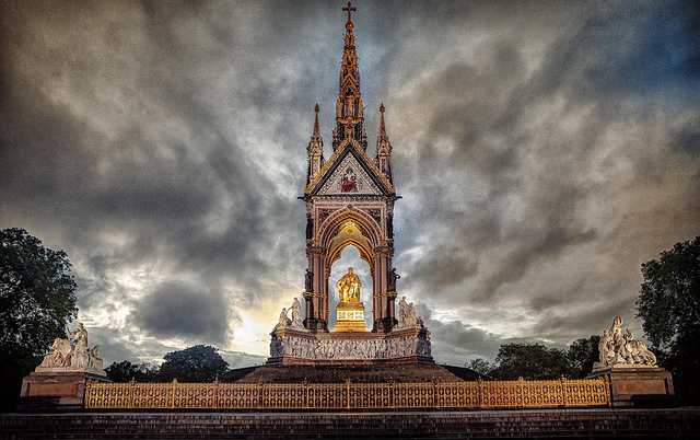 The gold shines bright in this image, by Gareth Evans