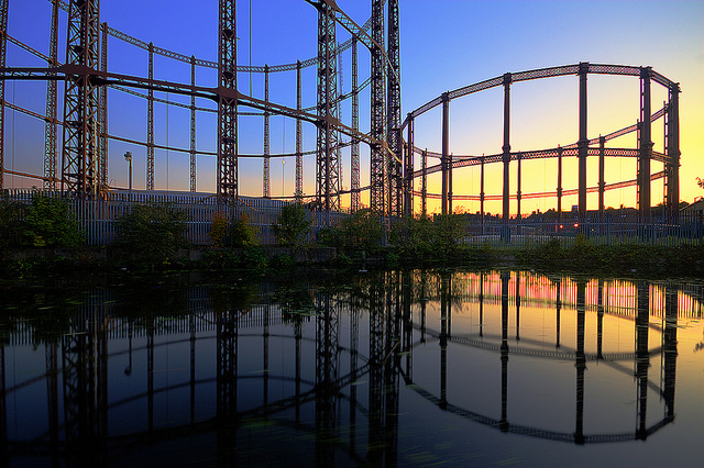 Bethnal Green gas holders by bobaliciouslondon