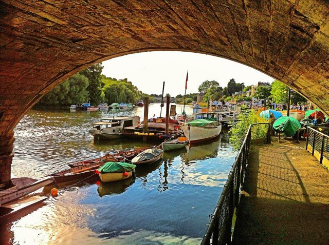 richmond-thames-boats