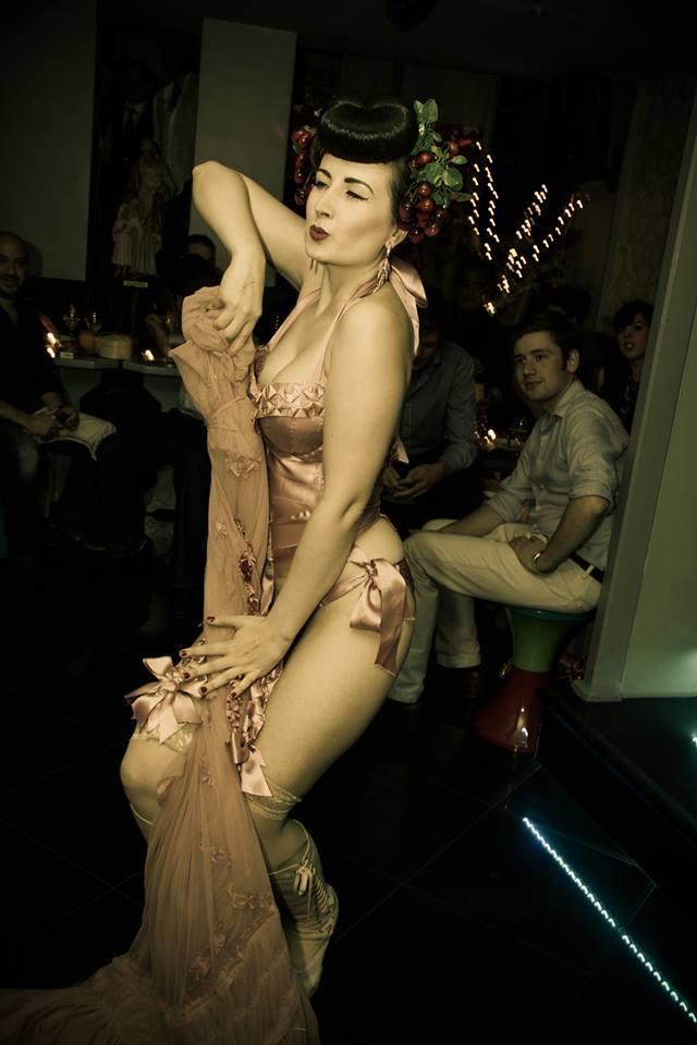 Opium Nights: Food Meets Burlesque At La Maison Des Artistes