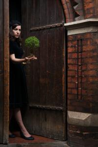 Geraldine Pilgrim's Toynbee, photo Hugo Glendinning