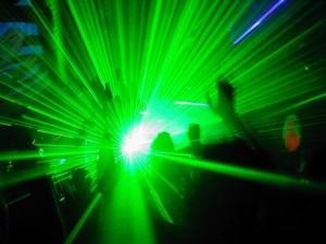 Laser - hands in laser (1)