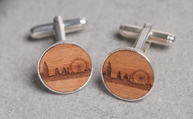 Santa's Lap: Wooden London Skyline Gifts