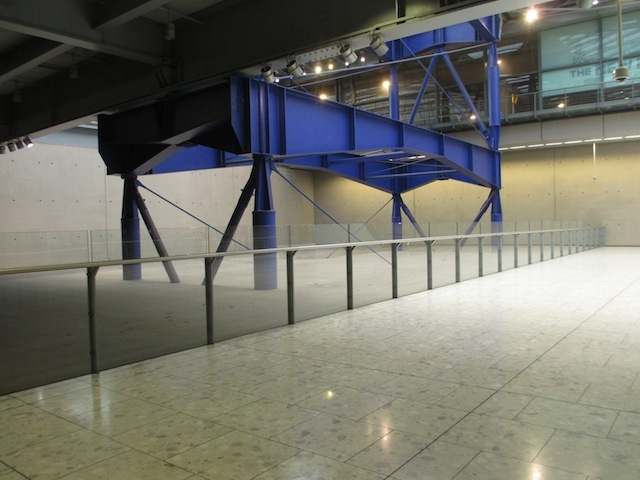 Planning ahead: unused infrastructure at Terminal 5, waiting for future expansion. This would be a lift frame.
