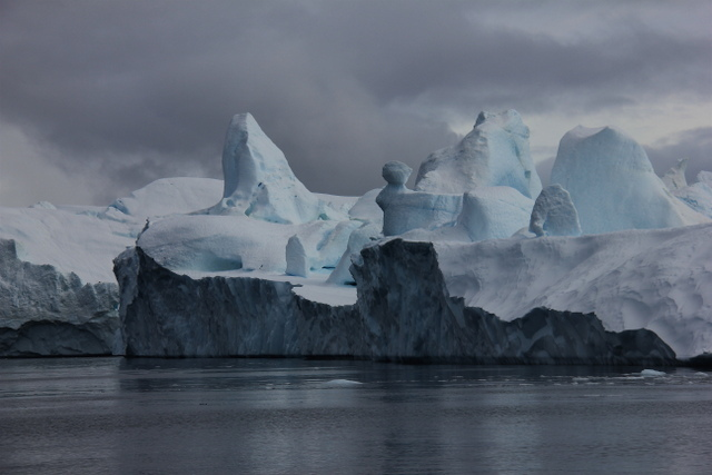 Elizabeth Ogilvie, Icebergs from Sermeq Kujalleq glacier. Image courtesy of the artist.