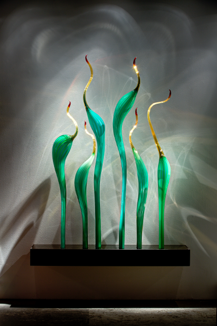 Dale Chihuly, Amber Jade Herons, 2013 (Photo: Halcyon Gallery)