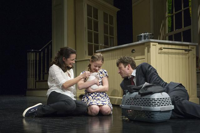A scene from Fatal Attraction @ Theatre Royal, Haymarket (Taken 12-03-14) ©Tristram Kenton 03/14 (3 Raveley Street, LONDON NW5 2HX TEL 0207 267 5550  Mob 07973 617 355)email: tristram@tristramkenton.com