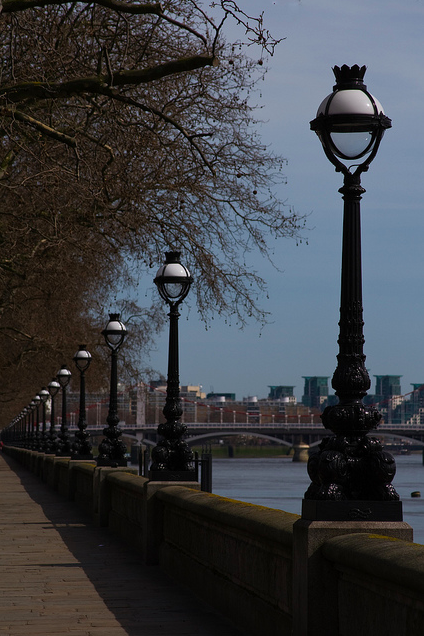 Albert Embankment by Gary Etchell via flickr