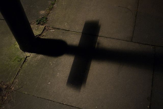 Lamp post shadow by Fabio Lugaro via flickr