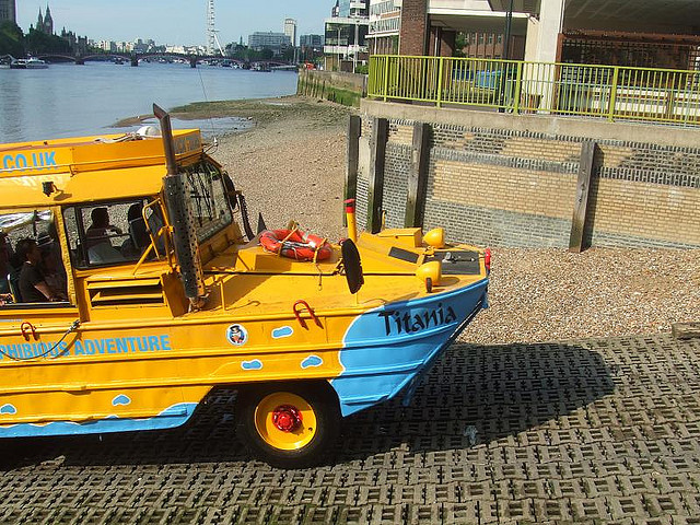 Duck Tours To Resume On The Thames