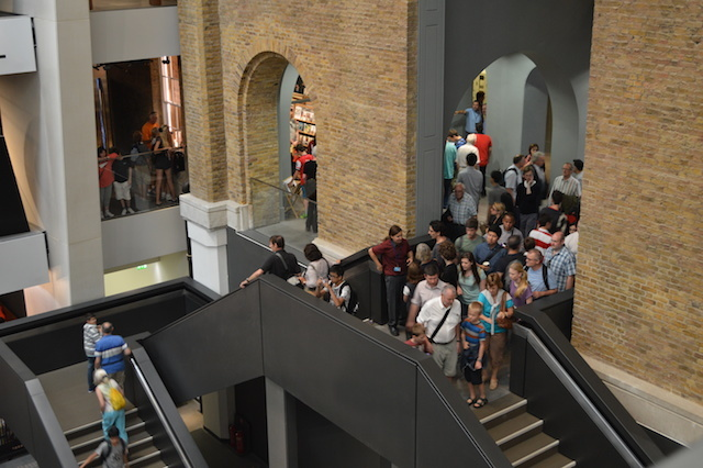 An annoying bottleneck to get into the museum (this is also the main exit).