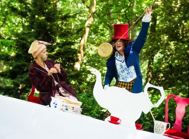 opera-holland-park-alices-adventures-in-wonderland-dir-martin-duncan-_c2_a9-alex-brenner-please-credit-_d3c2036.jpg