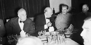 How To Eat, Drink And Smoke Like Winston Churchill