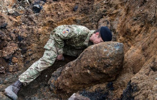 Unexploded WW2 Bomb Found In Bermondsey