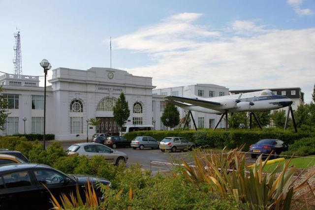 Visit The World's Oldest Air Traffic Control Tower At Croydon Festival