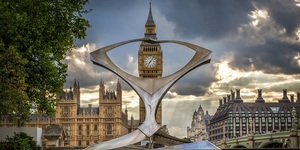 London News Roundup: Big Ben's Dodgy Bong
