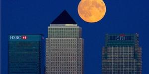 Gorgeous Shots Of Last Night's Super Moon Lunar Eclipse