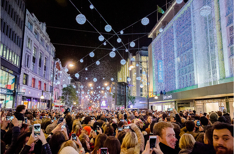 When Are The London Christmas Lights Switched On?