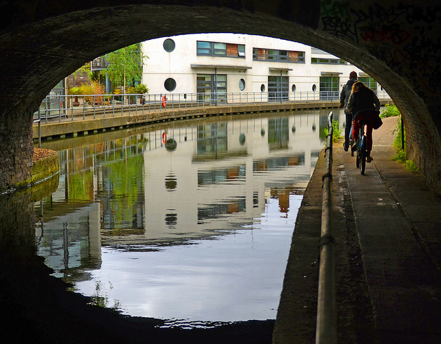 Cyclists Requested To Slow Down On London's Towpaths
