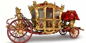 How Do They Get The Lord Mayor's Coach Out Of The Museum Of London?