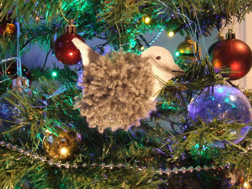 How To Make A Pom-Pom Pigeon Christmas Tree Decoration