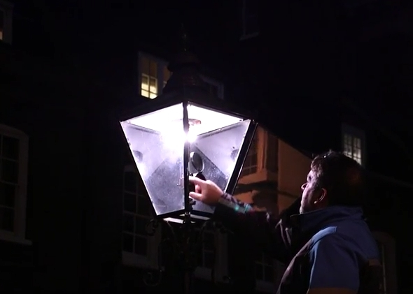 Video: Meet London's Last Gas Lamp Lighters