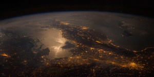 Travel To Otherworlds: Stunning Space Photography