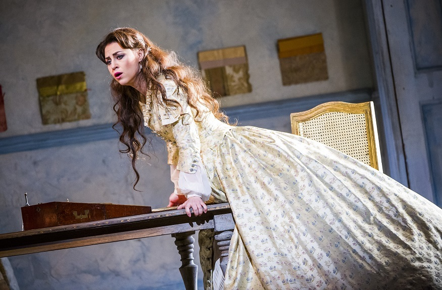 La Traviata Is The Cathartic Opera You're Looking For: Review