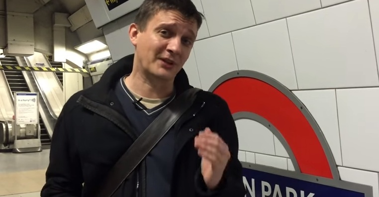 Video: Changing At Green Park - Is It Faster To Use The Escalators?