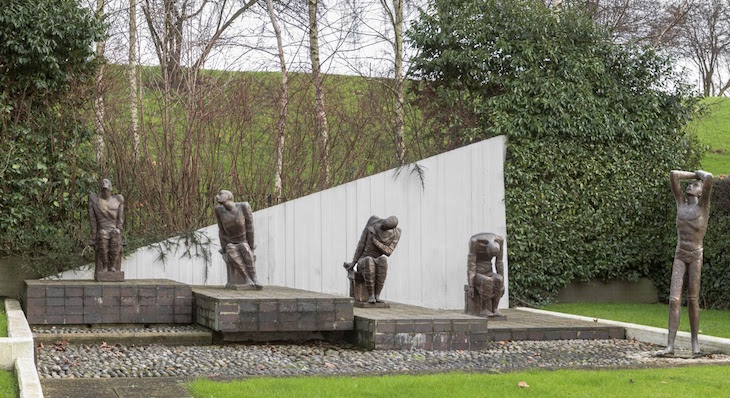 Gallery: 26 Post-War Sculptures Listed In London