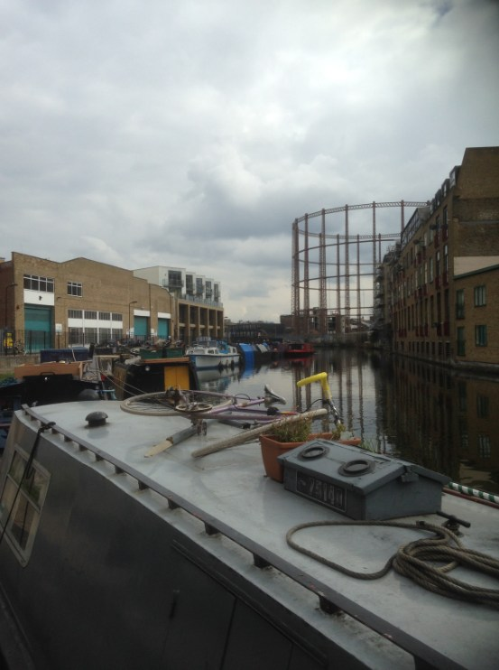 Weekend Walks Regent S Canal Towpath From Camden To