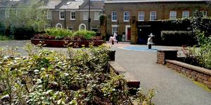 London's Little Gardens: Lucas Gardens