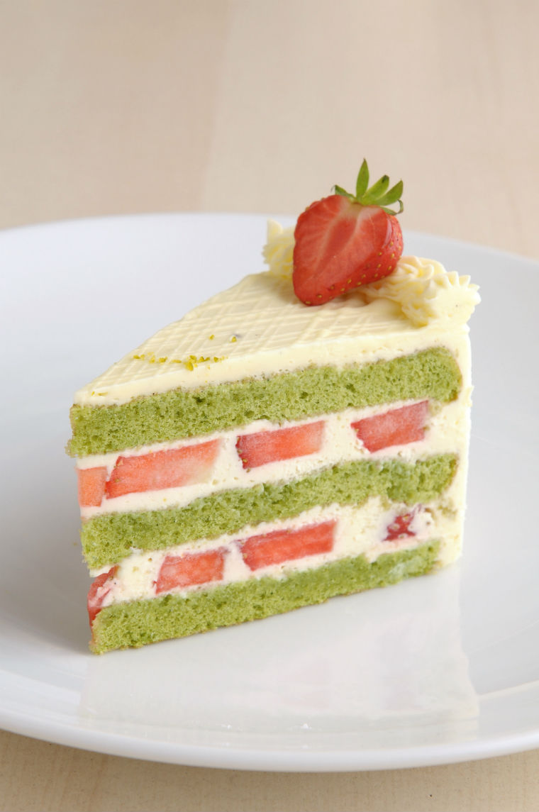 Green Tea White Chocolate Mousse Cake