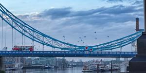 London News Roundup: Hot Air Balloons Float Over London