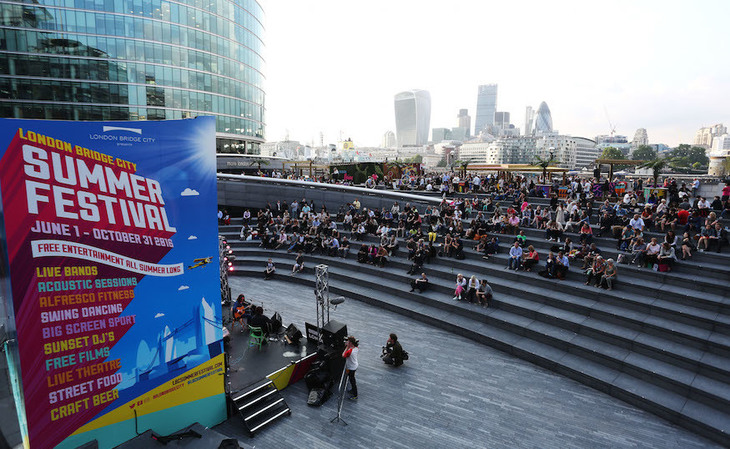 Join In With A Mass Karaoke Singalong Near Tower Bridge