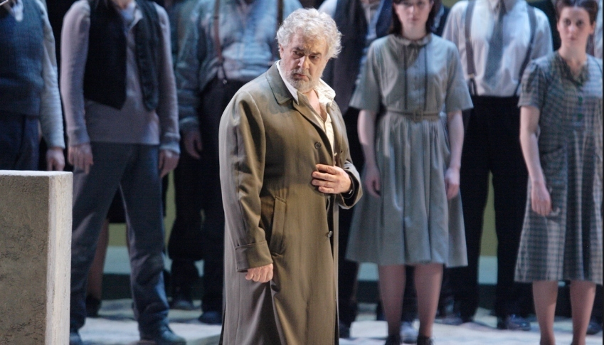 Placido Domingo Needs Prompting In Nabucco