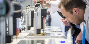 Eat at the world's first 3D printer restaurant: