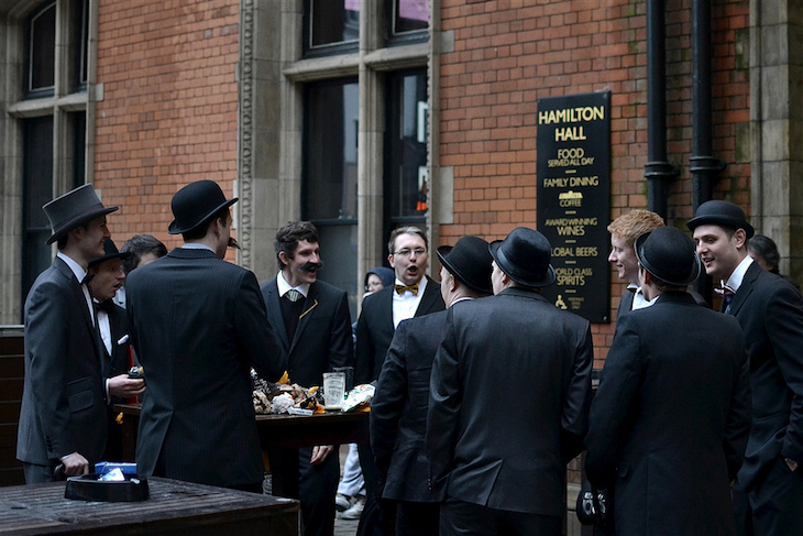 Reasons to love or avoid this Liverpool Street station pub ->